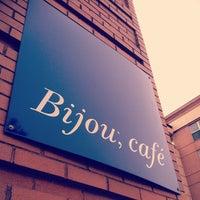 รูปภาพถ่ายที่ Bijou Cafe โดย Nathan G. เมื่อ 4/12/2013