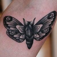 Снимок сделан в Vagabond Tattoo пользователем Rebecca M. 2/4/2013