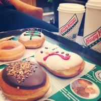 Снимок сделан в Krispy Kreme пользователем Ira L. 12/15/2013