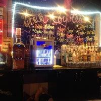 Foto scattata a Coyote Ugly Saloon da Mz. Thicket il 4/6/2013