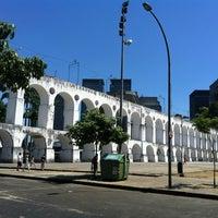 Das Foto wurde bei Arcos da Lapa von Rogério M. am 2/18/2013 aufgenommen