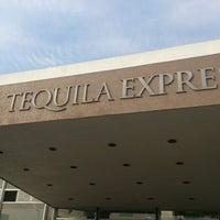 Das Foto wurde bei Jose Cuervo Express von Ale A. am 4/27/2013 aufgenommen