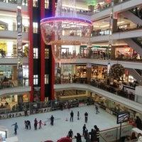 2/16/2013 tarihinde Nuray D.ziyaretçi tarafından Airport Outlet Center'de çekilen fotoğraf