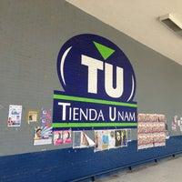 Foto diambil di Tienda UNAM oleh Paul G. pada 8/29/2013