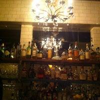 7/21/2013 tarihinde Ellie H.ziyaretçi tarafından Maude's Liquor Bar'de çekilen fotoğraf