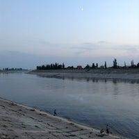 Das Foto wurde bei Плотина von Zhenya A. am 7/14/2013 aufgenommen