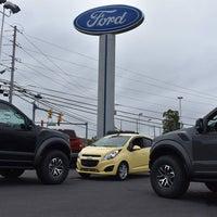 รูปภาพถ่ายที่ Hoffman Ford โดย Columbia Distributing เมื่อ 6/29/2018