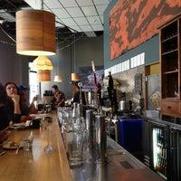 Foto tirada no(a) Awaken Cafe & Roasting por Moua L. em 2/22/2013