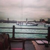 รูปภาพถ่ายที่ Galata Junior Restaurant โดย A.  Ebubekir K. เมื่อ 4/9/2013