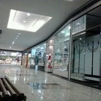 247df3e65e8 Foto tirada no(a) Shopping Centro Norte por Alef F. em 6  ...