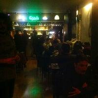 Foto diambil di Rudis Bar oleh Volkan S. pada 2/22/2013