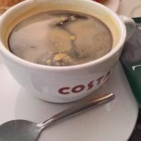 Foto scattata a Costa Coffee da eusty il 12/21/2017