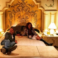 รูปภาพถ่ายที่ Westgate Las Vegas Resort & Casino โดย Brian R. เมื่อ 4/14/2015