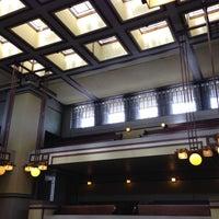 รูปภาพถ่ายที่ Frank Lloyd Wright's Unity Temple โดย Ryan L. เมื่อ 4/13/2013