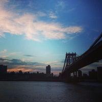 7/28/2013 tarihinde Nick M.ziyaretçi tarafından Brooklyn Bridge Park'de çekilen fotoğraf