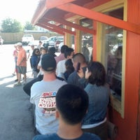 Foto tirada no(a) Laredo Taqueria por Marcus N. em 10/20/2012