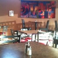 10/7/2012 tarihinde Scott S.ziyaretçi tarafından Chilkoot Cafe and Cyclery'de çekilen fotoğraf