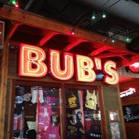 Foto tomada en Bub's at the Ballpark por Rynda L. el 2/23/2013