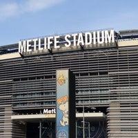 Снимок сделан в MetLife Stadium пользователем Allen 3/21/2013