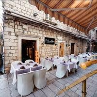 2/16/2018 tarihinde DALMATINO Dubrovnikziyaretçi tarafından DALMATINO Dubrovnik'de çekilen fotoğraf