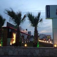 Das Foto wurde bei Pirzola Steak House von Ayşegül İ. am 10/28/2014 aufgenommen