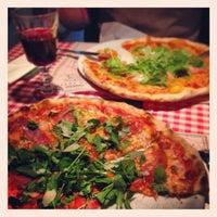 Photo prise au Pizzeria Ciao Tutti par Kamil A. le3/10/2013