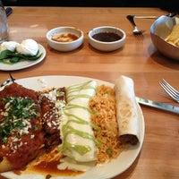 Photo prise au Cantina Laredo par Lindsy H. le3/13/2013