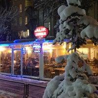 Das Foto wurde bei ALIR Cafe | Restaurant von Ali A. am 2/13/2013 aufgenommen