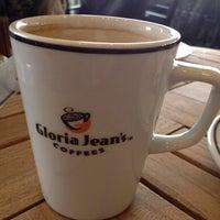 10/17/2013 tarihinde Rafet İ.ziyaretçi tarafından Gloria Jean's Coffees'de çekilen fotoğraf