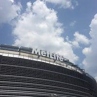 รูปภาพถ่ายที่ MetLife Stadium โดย Dominick-Daniel B. เมื่อ 7/17/2013