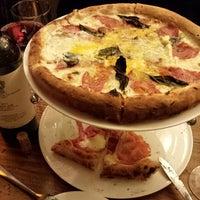 Foto diambil di Pizzeria Solario oleh Geri D. pada 12/24/2013