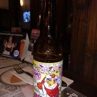 Foto tirada no(a) Moondog's Bar & Grill por Napolis S. em 2/26/2019