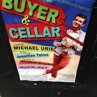 4/21/2013 tarihinde Jack T.ziyaretçi tarafından Rattlestick Playwrights Theater'de çekilen fotoğraf