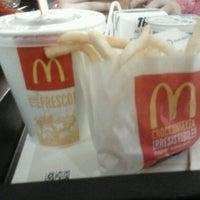 Foto scattata a McDonald's da Suba il 3/6/2013