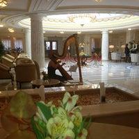 Das Foto wurde bei The Official State Hermitage Hotel von Оля G. am 9/6/2013 aufgenommen