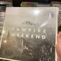 Foto scattata a Record Shop BIG LOVE da Charlie K. il 1/4/2020