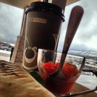 Foto tirada no(a) Cafe Velo por Christopher W. em 2/26/2013