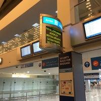 3/31/2014에 Andrej K.님이 Area B - T1 Departures에서 찍은 사진