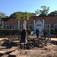 รูปภาพถ่ายที่ Mangango Catholic Church โดย 126 T. เมื่อ 6/8/2013