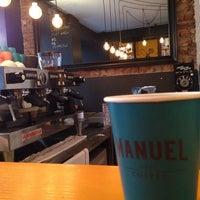 Das Foto wurde bei Manuel Deli & Coffee von ASİ am 2/28/2014 aufgenommen