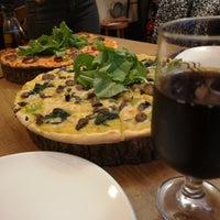 10/13/2018 tarihinde Orhan İ.ziyaretçi tarafından Zucca Pizza'de çekilen fotoğraf
