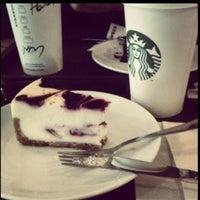 Foto scattata a Starbucks da Mine K. il 8/29/2013