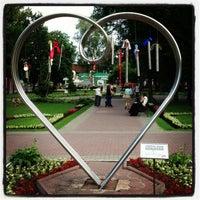 รูปภาพถ่ายที่ Hermitage Garden โดย Дмитрий Т. เมื่อ 6/24/2013
