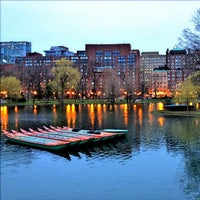 Foto tomada en Jardín Público de Boston por Matt K. el 4/10/2013