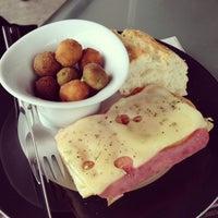 3/17/2013 tarihinde Raquel R.ziyaretçi tarafından Restaurante MiGaea'de çekilen fotoğraf