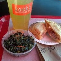 3/4/2013에 Abigail O.님이 Zookz - Sandwiches with an Edge에서 찍은 사진