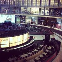 6/25/2013にMugeyilmaz T.がThe Dubai Mallで撮った写真