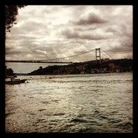11/14/2012 tarihinde EMK👸🏽ziyaretçi tarafından Kanlıca Sahili'de çekilen fotoğraf