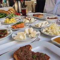 Foto scattata a Değirmentepe Oltu Kebap da Buğra K. il 12/14/2014