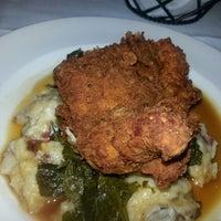 Foto tirada no(a) South City Kitchen por Carly O. em 3/12/2014